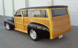 1947-ford-woody-wagon-01