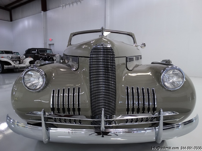 Front valance of a 1940 Cadillac LaSalle Convertible