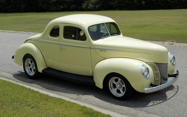 1940-ford-deluxe